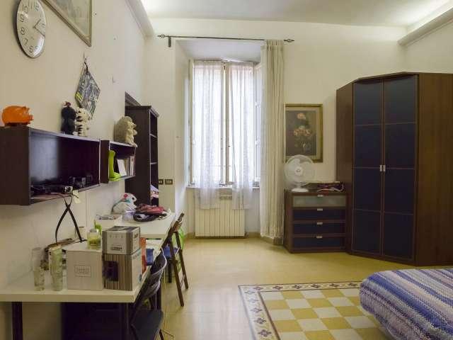 Spaziosa camera in appartamento con 3 camere da letto a Termini, Roma