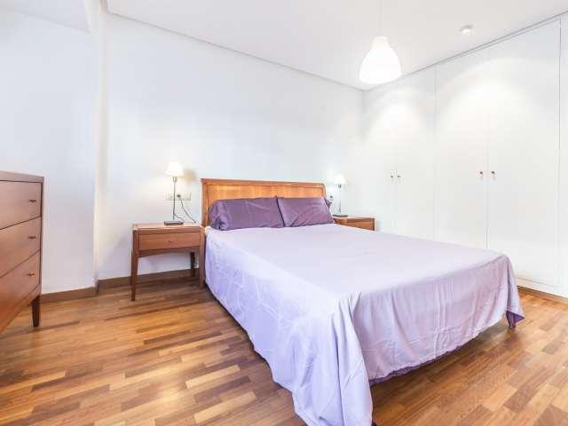 Cómoda habitación en un apartamento de 6 dormitorios en Rascanya, Valencia