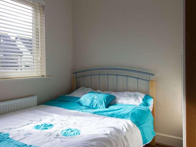1 habitación en la elegante casa con Parking en Lucan