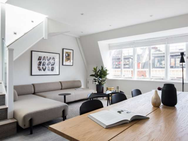 Appartement 3 Chambres avec Services à Louer à Covent Garden