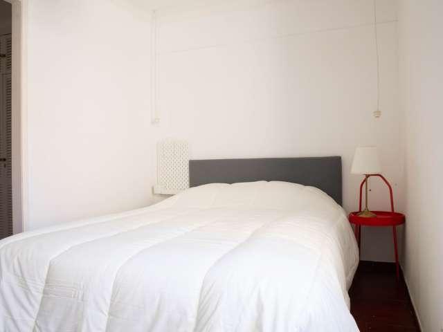 Quartos para alugar em apartamento de 2 quartos em Santo António