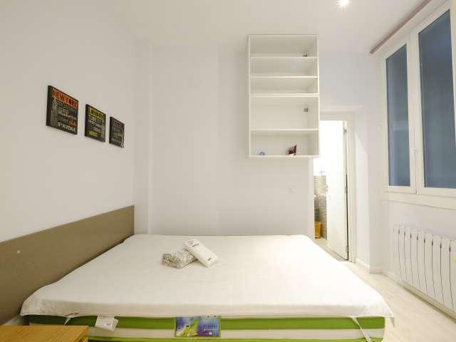 Charmantes Zimmer zu vermieten in Malasaña, Madrid