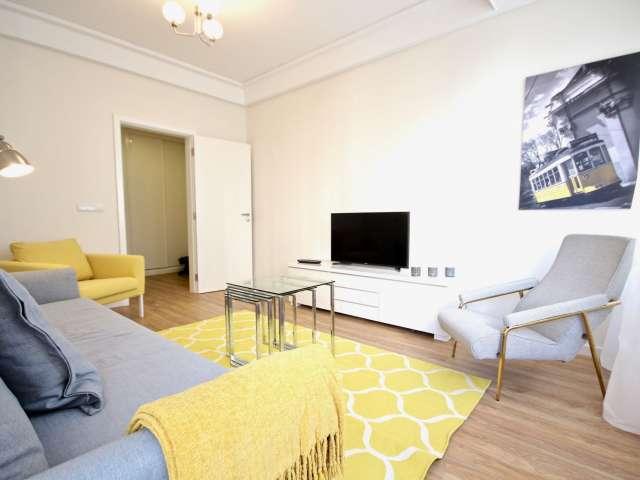 Apartamento luminoso com 2 quartos para arrendar em Santo António, Lisboa
