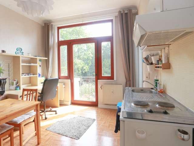 Studio avec balcon à louer à Ixelles, Bruxelles