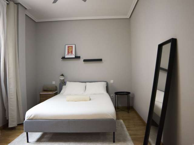 Habitación doble en alquiler, apartamento de 4 dormitorios, Centro, Madrid