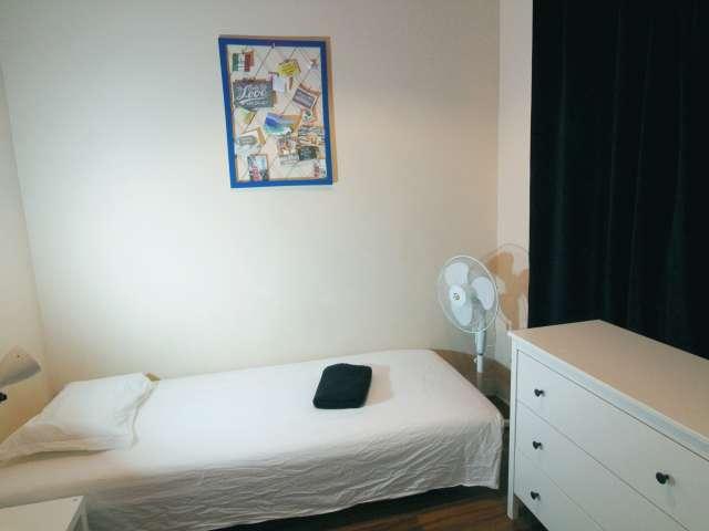 Quarto confortável para alugar no Bairro Alto, Lisboa