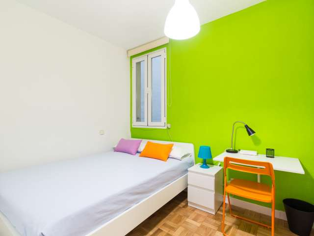 Furnished room in shared apartment in Chamberí, Madrid