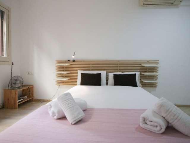 Renovated studio apartment for rent in El Raval, Barcelona