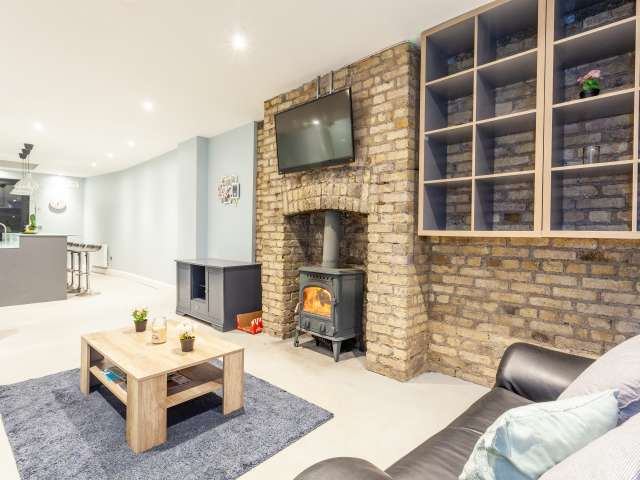 2-bedroom house for rent in The Liberties, Dublin