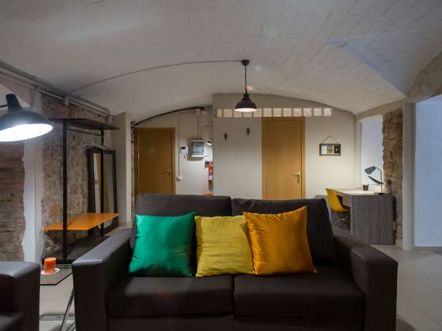 Stylish studio with patio for rent in Sants, Barcelona