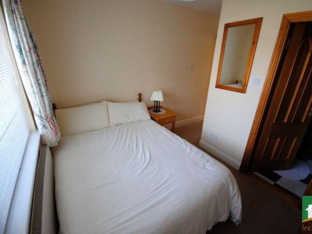Room in 7-bedroom house in Terenure, Dublin