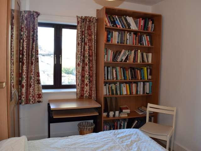 Lovely room to rent in 3-bedroom house in Harold's Cross