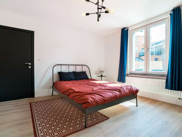 Furnished room in 7-bedroom apartment in Ixelles, Brussels