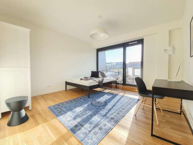 Tolles Zimmer zu vermieten, Wohnung mit 5 Schlafzimmern, Mitte