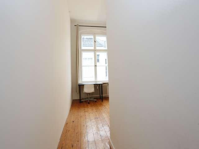 Möbliertes Zimmer in 3-Zimmer-Wohnung in Mitte, Berlin