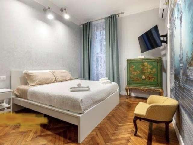 Camera in affitto in appartamento con 5 camere da letto a Loreto, Milano