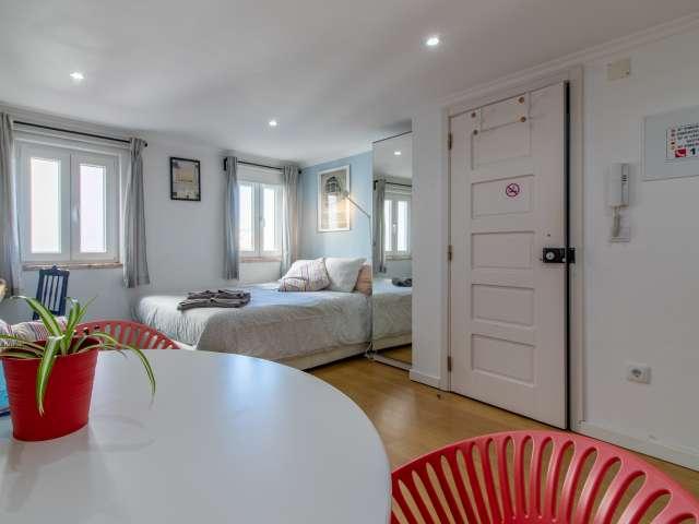 Studio apartment for rent in Graça e São Vicente, Lisbon