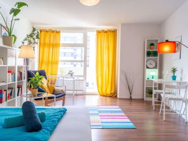 Bunte Studio-Wohnung zur Miete in Charlottenburg, Berlin
