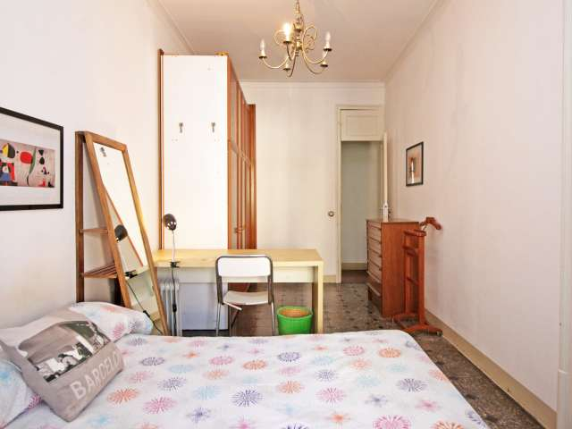 Chambre dans un appartement de 5 chambres à l'Eixample, Barcelone