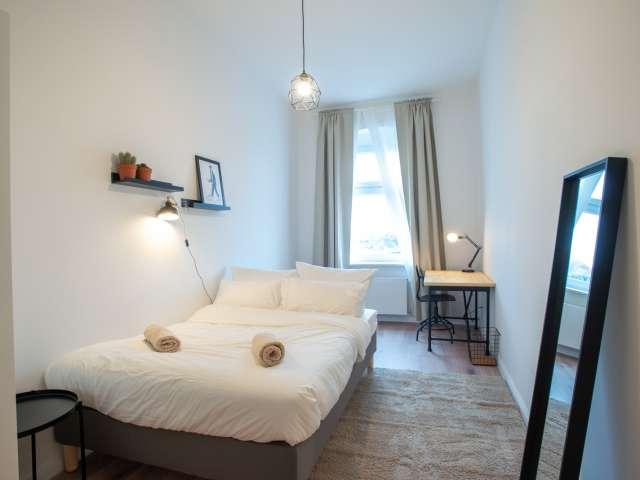Gemütliches Zimmer zur Miete in Wohnung, 3 Schlafzimmer, Friedrichshain