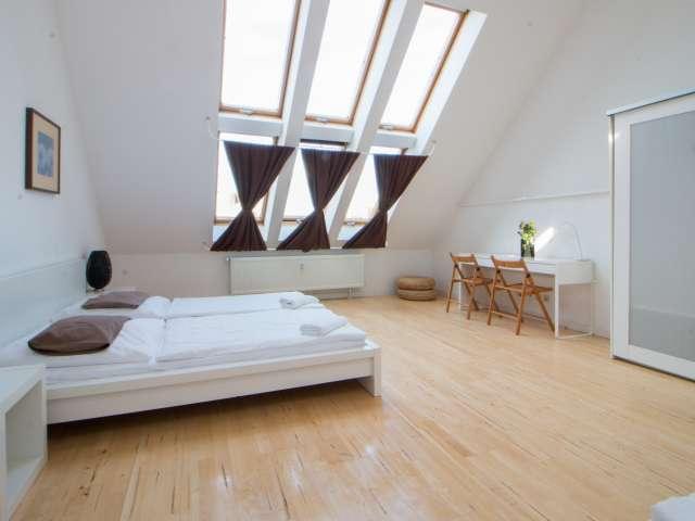 Klassik Zimmer in Charlottenburg-Wilmersdorf, Berlin