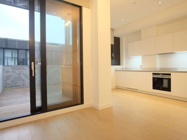 Unufrnished studio flat to rent in Archway, London