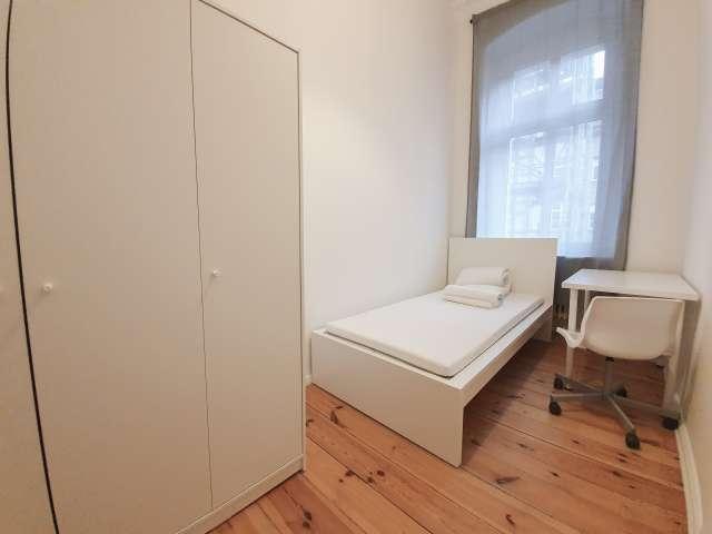 Zimmer zur Miete in 4-Zimmer-Wohnung in Reuterkiez