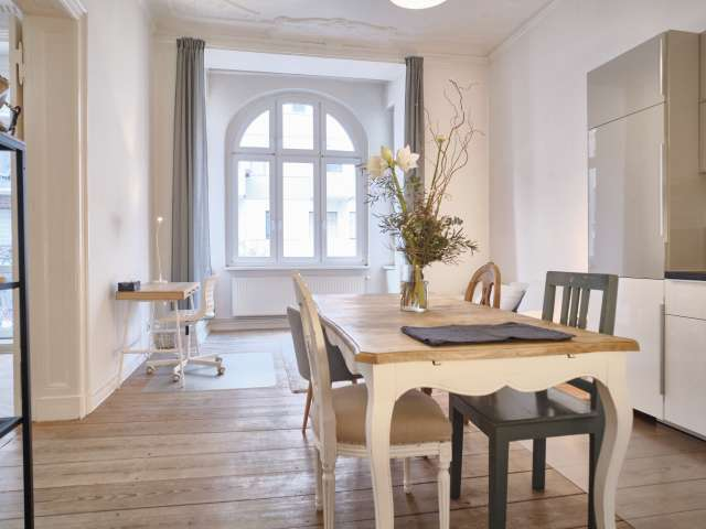 Chic apartment with 2 bedrooms for rent in Friedrichshain