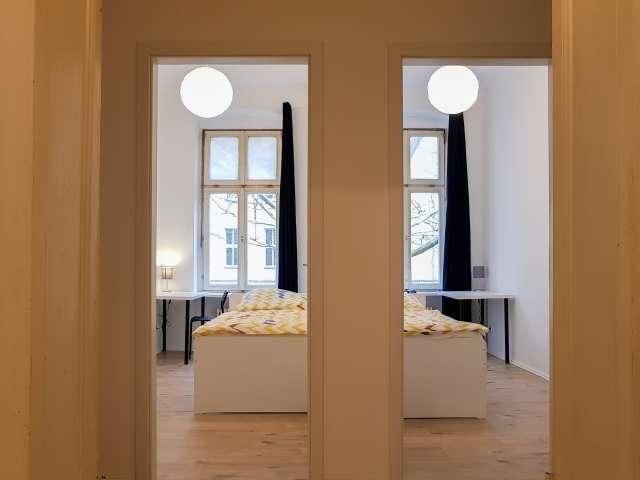 Zimmer in einer 8-Zimmer-Wohnung in Kreuzberg, Berlin