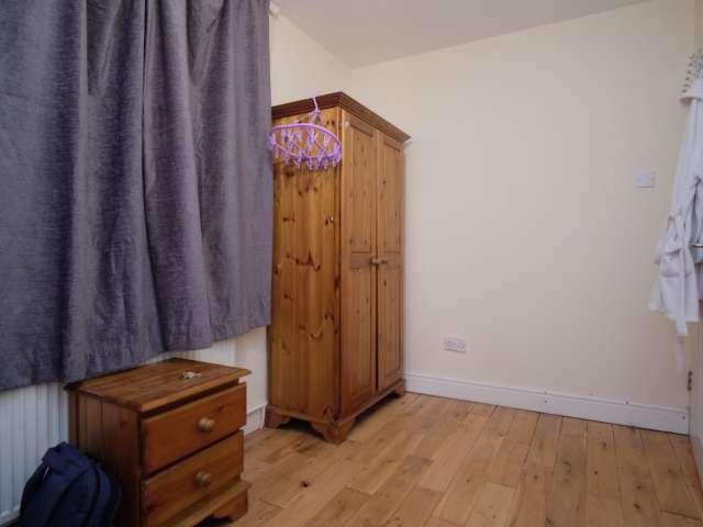 Single room for rent, 3-bedroom flat, Tottenham, London