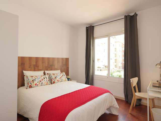 Bright room for rent in Putxet, Barcelona