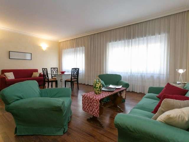 Comodo appartamento con 3 camere da letto in affitto a San Giovanni