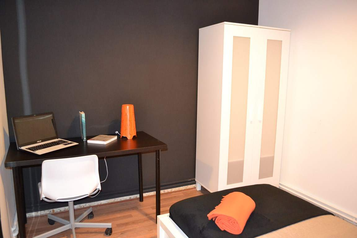 bedroom 1 - Single Bed 80503
