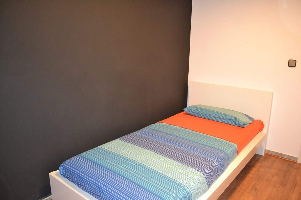 Bedroom 4 - Single Bed 80506