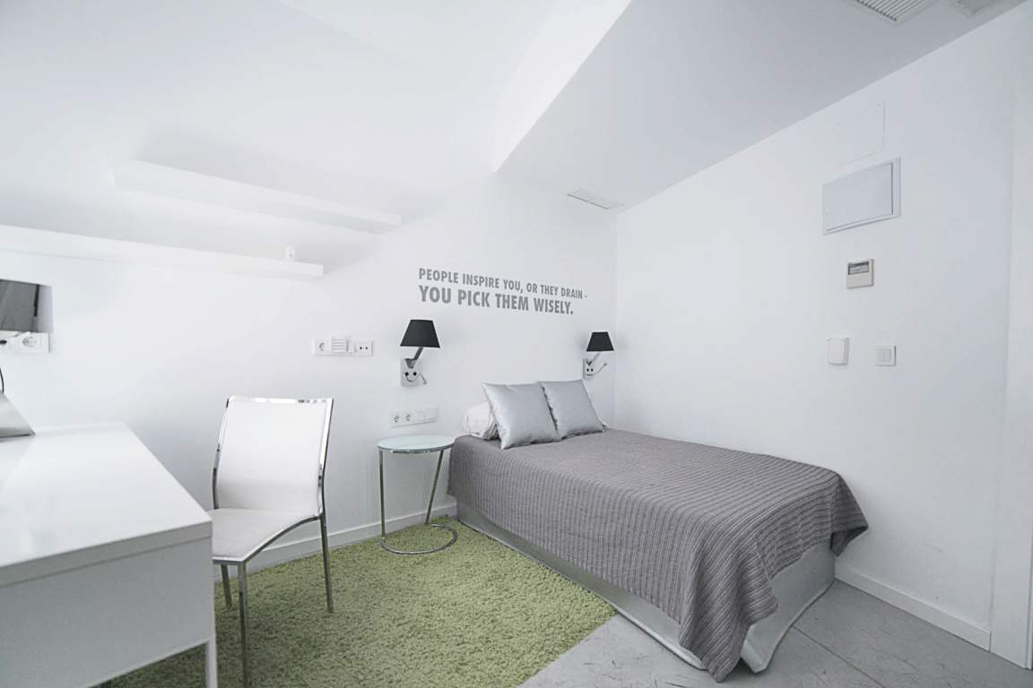 Bedroom Basic