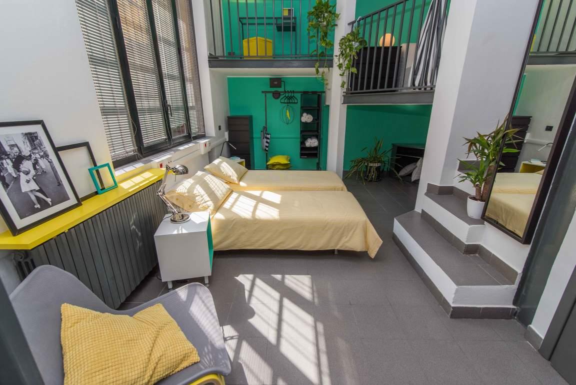 Bedroom (lower)
