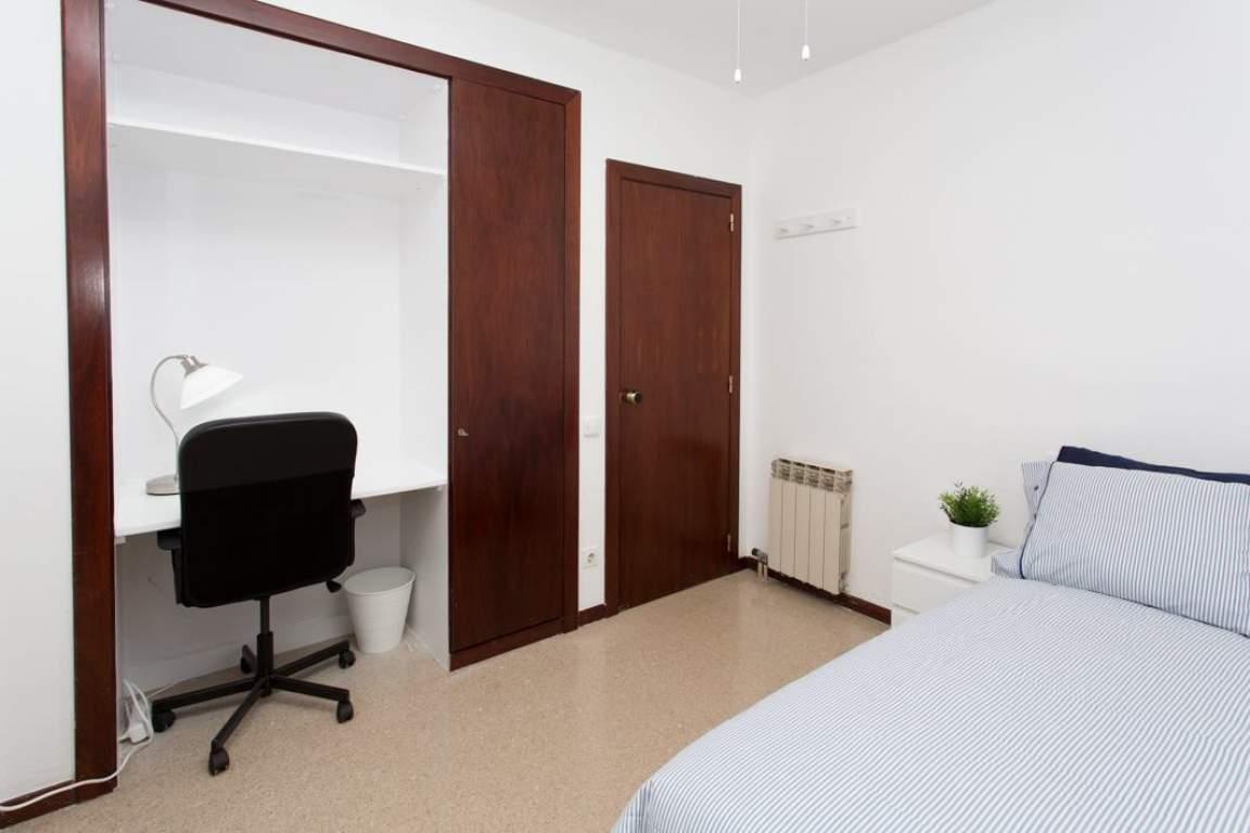 Bedroom Barcelona Comfort 1
