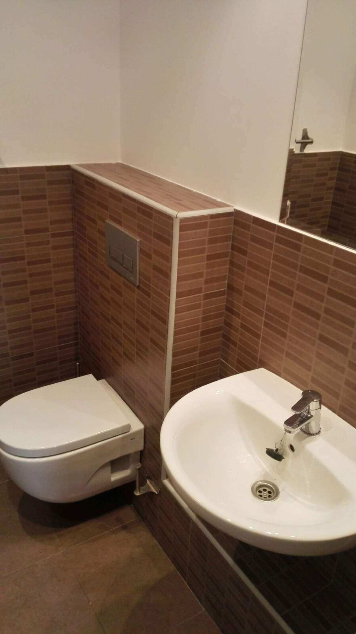 En suite bathroom Bedroom 3