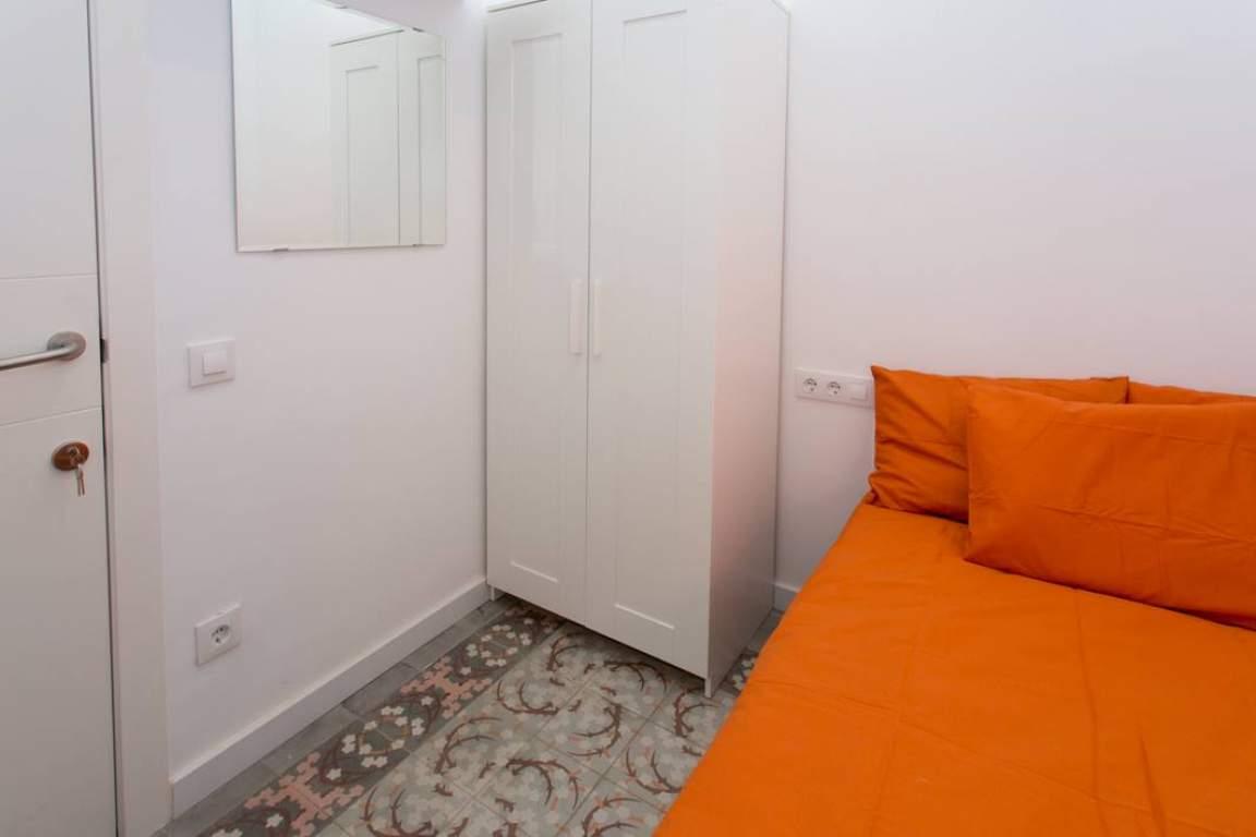 Bedroom 1-  Casual Sidney