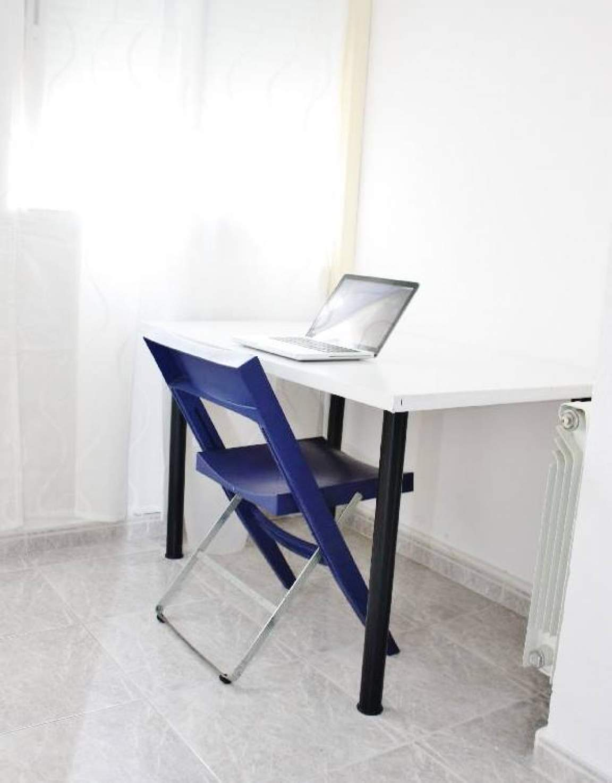 Bedroom 4 desk