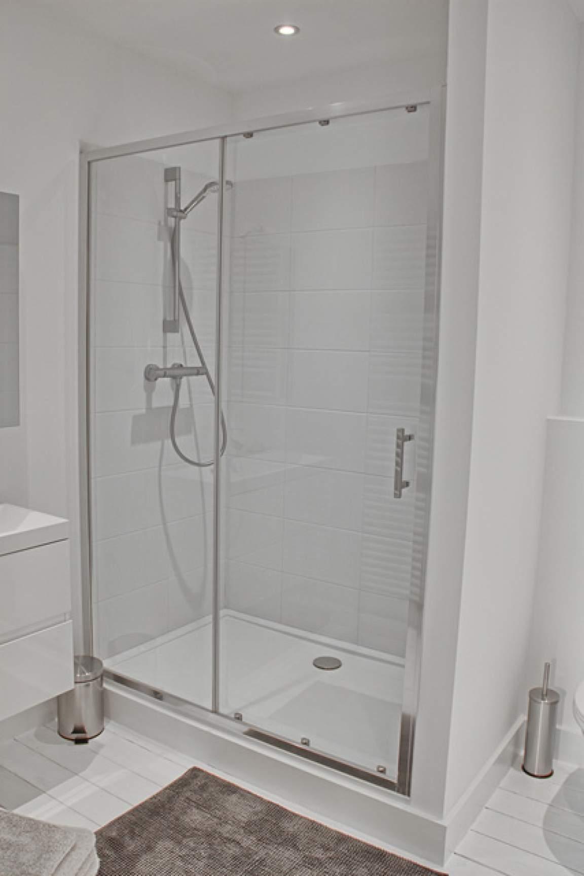 Bathroom Room 8