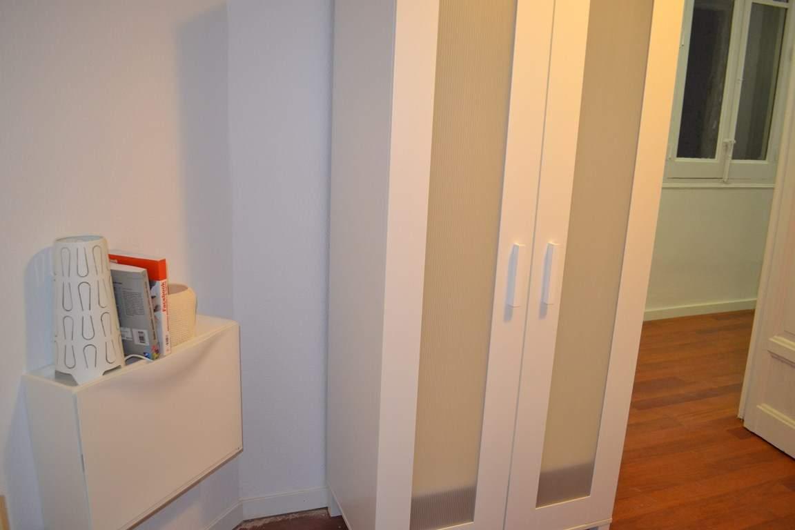 Room 5 single bed 80605