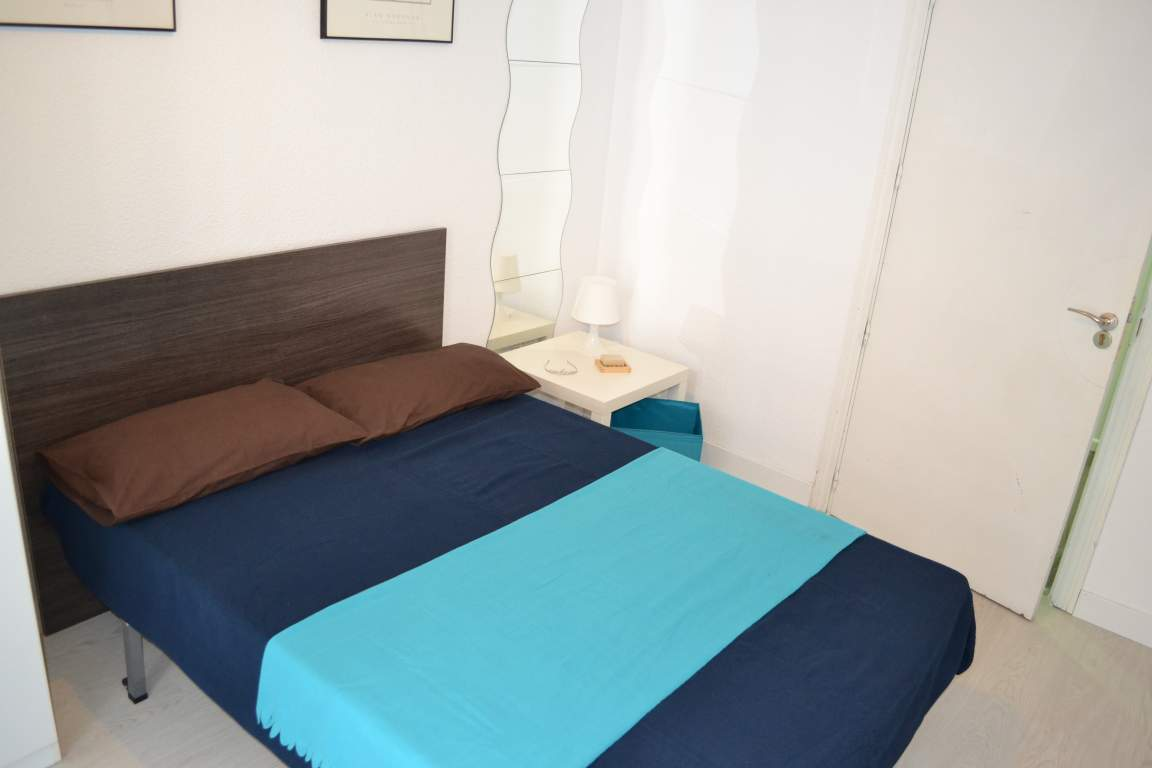 Room 6 double bed 80567
