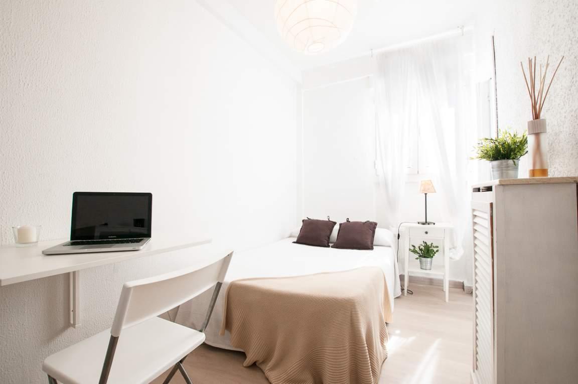 Bedroom Manu