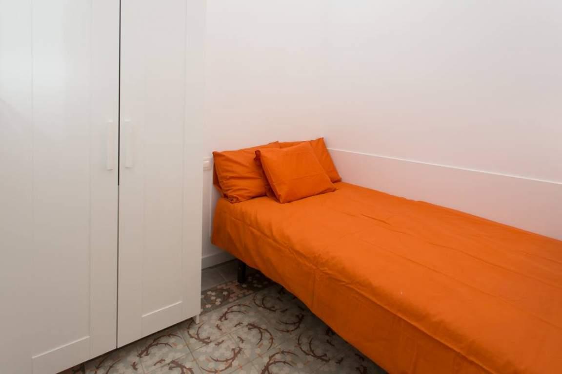 Bedroom 1 - Casual Sidney
