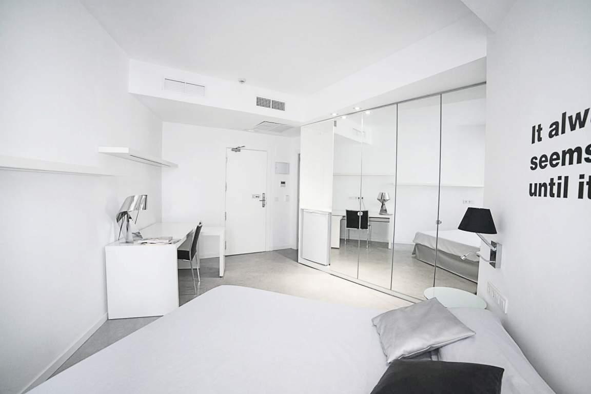 Bedroom Deluxe