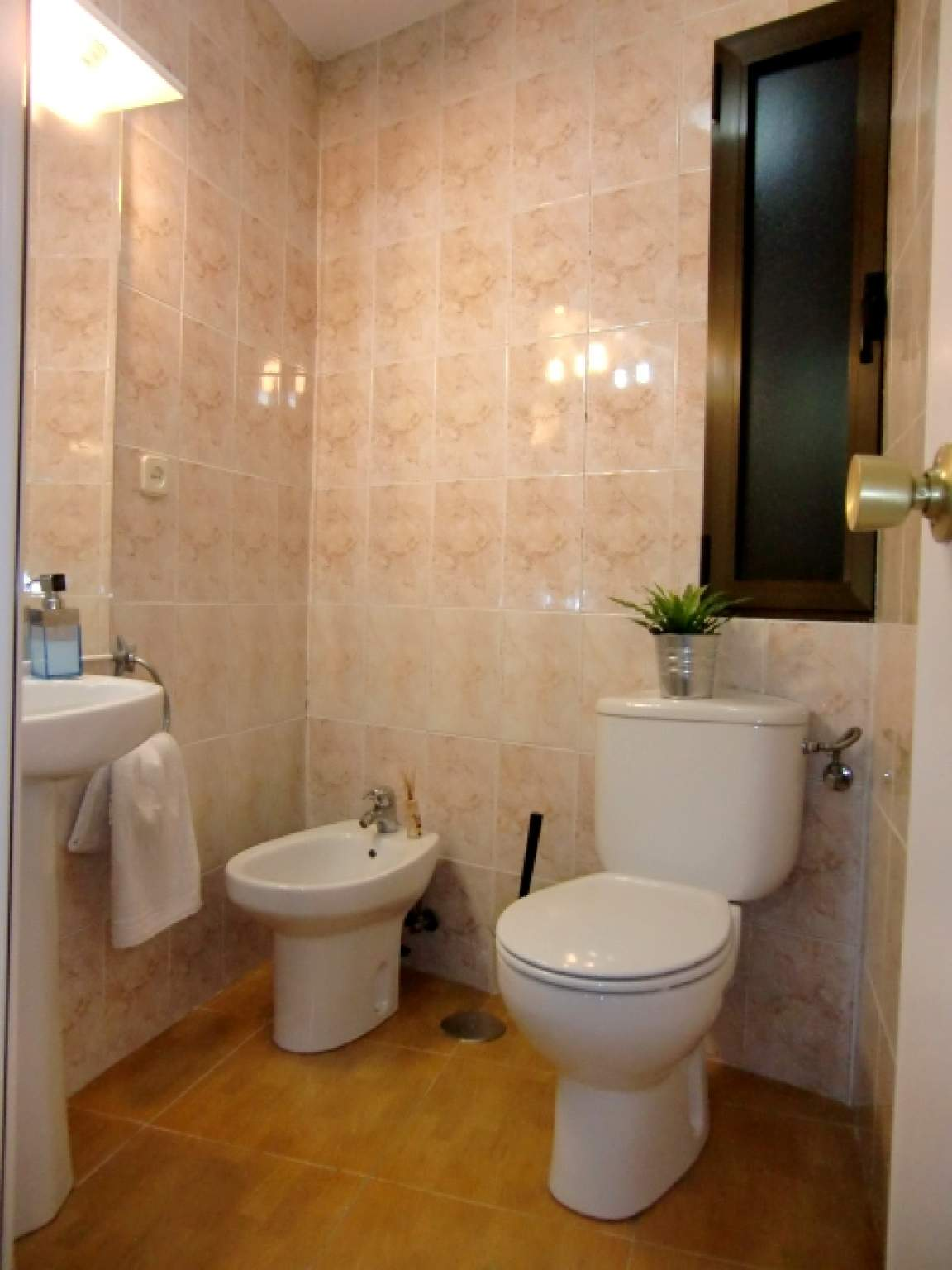 Bathroom of Bedroom 5