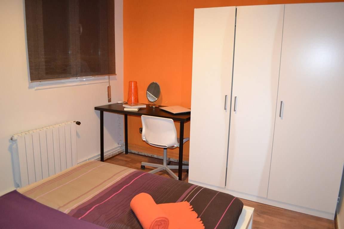 Bedroom 2 - Double Bed 80504