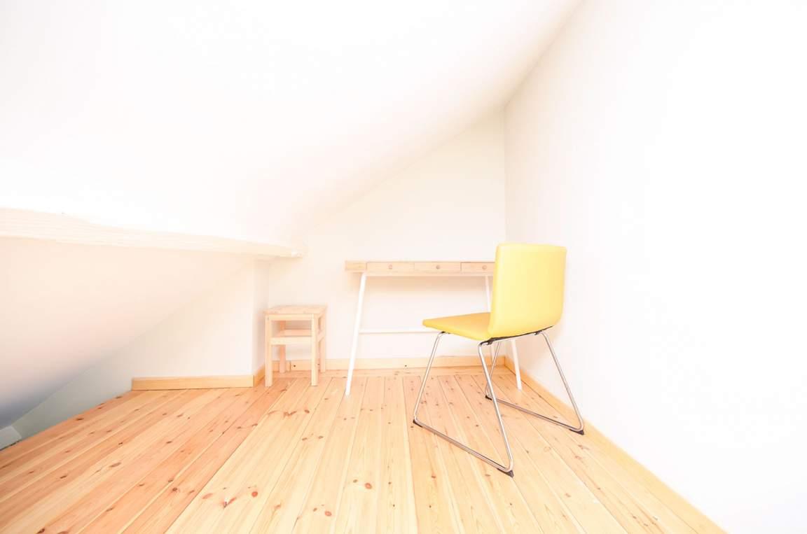 Bedroom 8 desk