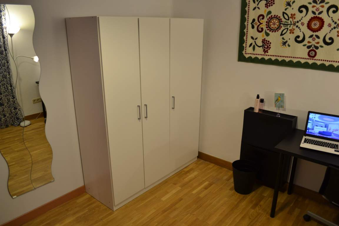 Room 5 double bed 80631